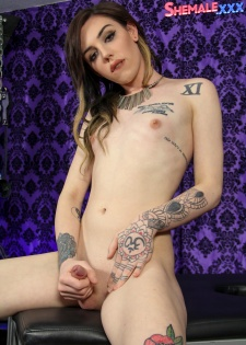 Annabelle Gets Naughty On Cam!