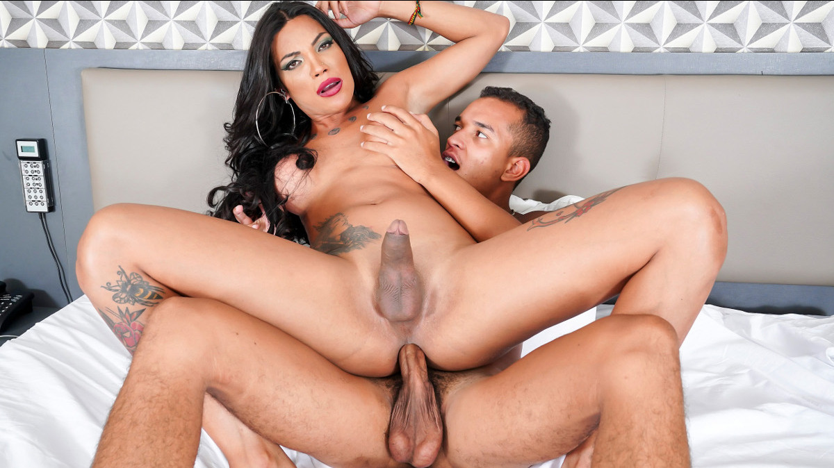 Janny Costa Fucks And Gets Fucked!