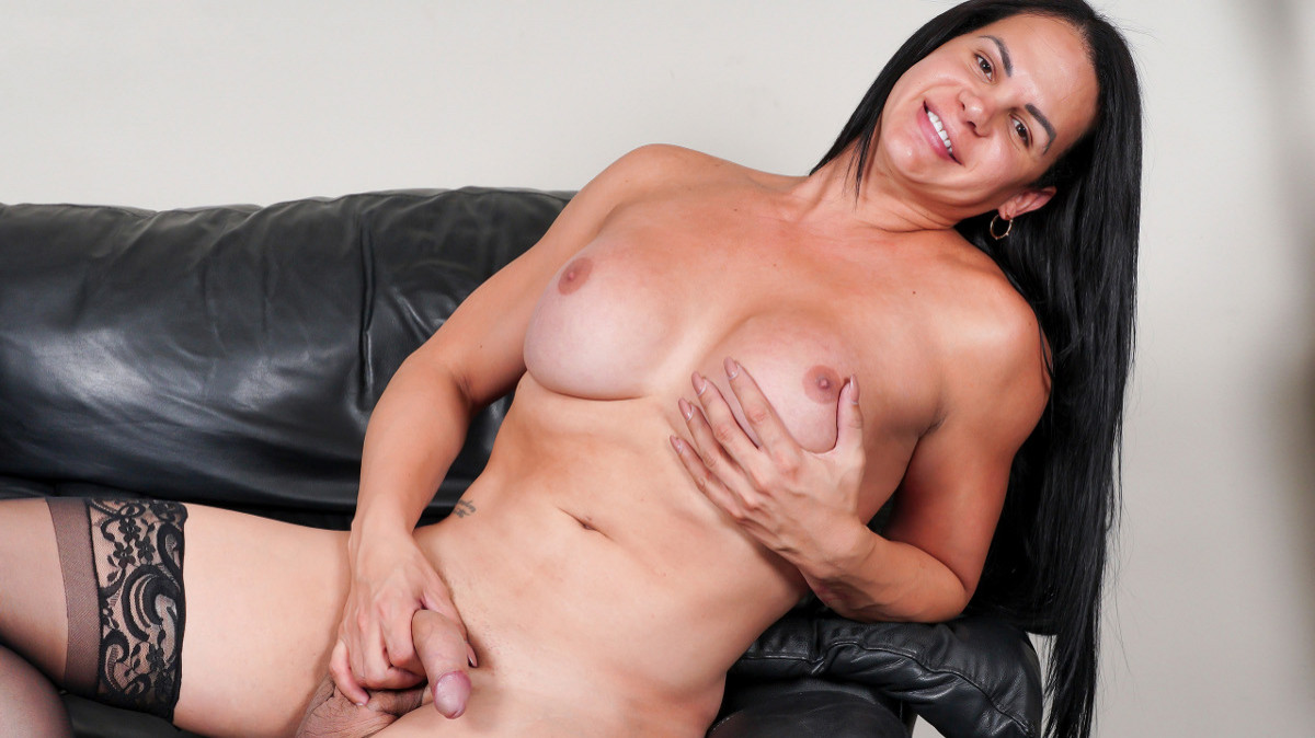 Lesette's Huge Load!